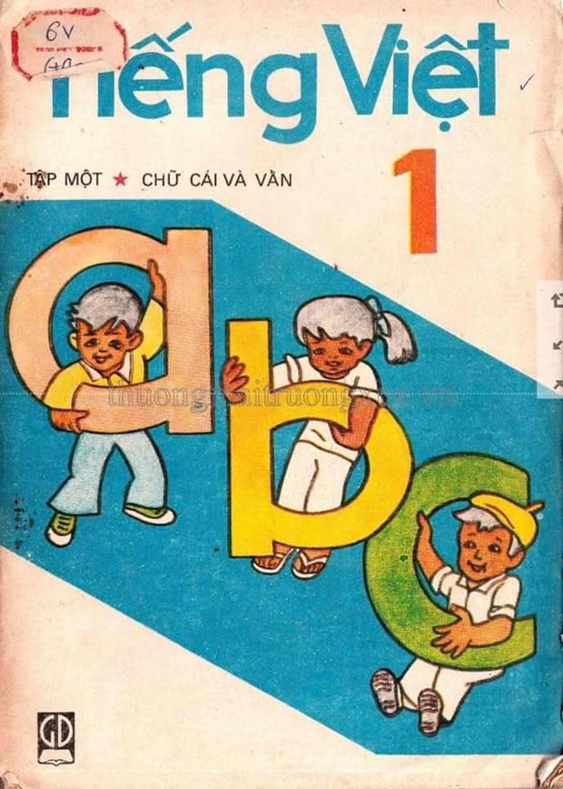 Sách giáo khoa Tiếng Việt 30 năm trước bỗng sốt xình xịch trở lại, đọc 1 trang là thấy cả tuổi thơ ùa về! - Ảnh 1.