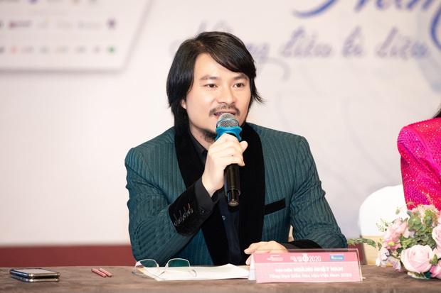 Họp báo Bán kết Hoa hậu Việt Nam 2020: Tiểu Vy đọ sắc với cả dàn hậu, Thuỵ Vân đeo nhẫn kim cương nổi bần bật - Ảnh 9.