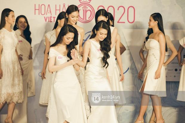 Loạt ảnh bóc hình thể thật của top 60 Hoa hậu Việt Nam 2020 trước đêm bán kết: Có thí sinh lộ body không như mơ! - Ảnh 6.