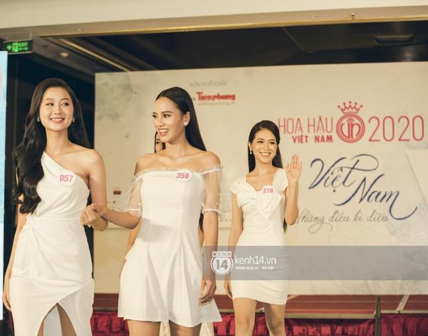 Loạt ảnh bóc hình thể thật của top 60 Hoa hậu Việt Nam 2020 trước đêm bán kết: Có thí sinh lộ body không như mơ! - Ảnh 11.