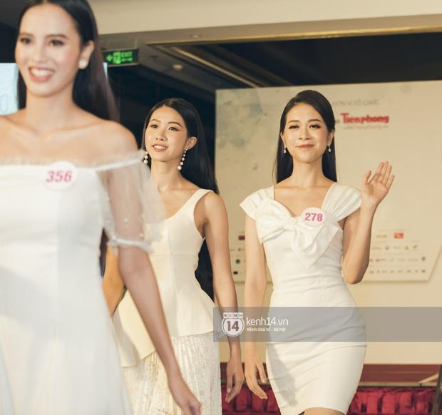 Loạt ảnh bóc hình thể thật của top 60 Hoa hậu Việt Nam 2020 trước đêm bán kết: Có thí sinh lộ body không như mơ! - Ảnh 10.