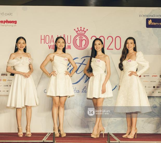 Loạt ảnh bóc hình thể thật của top 60 Hoa hậu Việt Nam 2020 trước đêm bán kết: Có thí sinh lộ body không như mơ! - Ảnh 3.