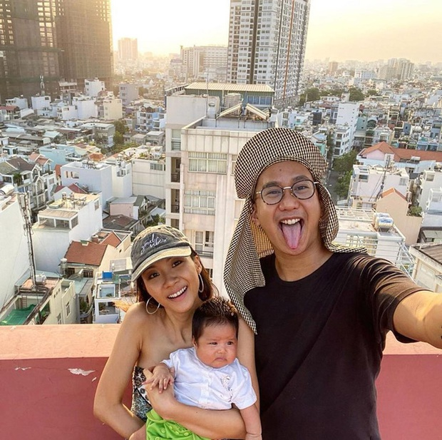 Khoảnh khắc cute xỉu: Team Wowy nạp thêm 2 thành viên... là chồng và con gái Suboi, vẻ đáng yêu của bé giật trọn spotlight - Ảnh 3.