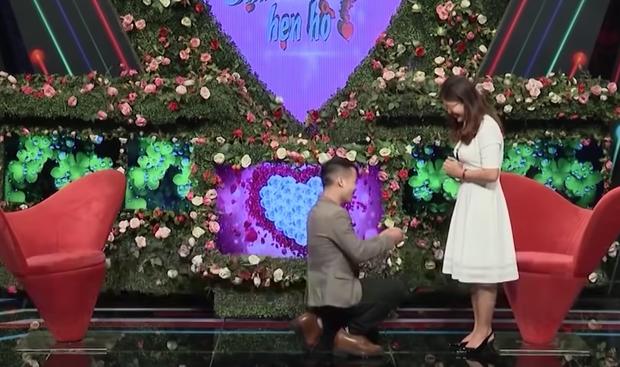 Ở tới 30 tuổi chưa yêu ai, cô gái được chàng giám đốc trao nhẫn cầu hôn 500 triệu ngay trong lần đầu gặp mặt - Ảnh 4.