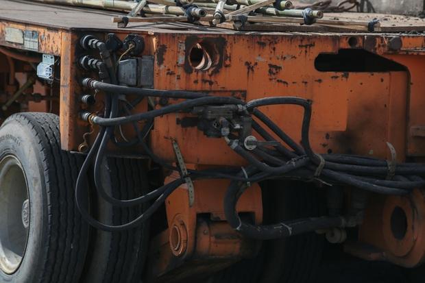 Xe siêu trường siêu trọng vận chuyển đoàn tàu Metro số 1 từ cảng về Depot Suối Tiên có gì đặc biệt? - Ảnh 6.