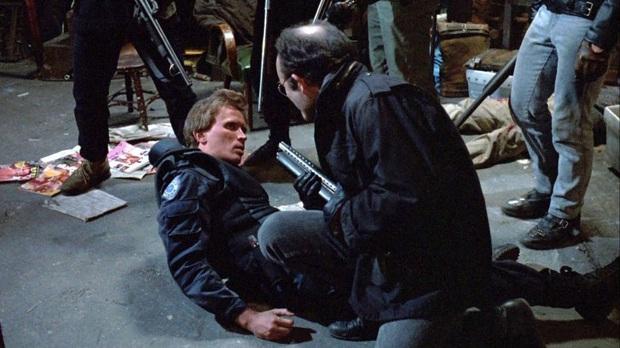 12 cảnh phim bị cắt xén bạo liệt trước giờ G: Gã Hề IT suýt gây phẫn nộ vì loạn luân, Marvel bị sờ gáy vì quá máu me - Ảnh 8.