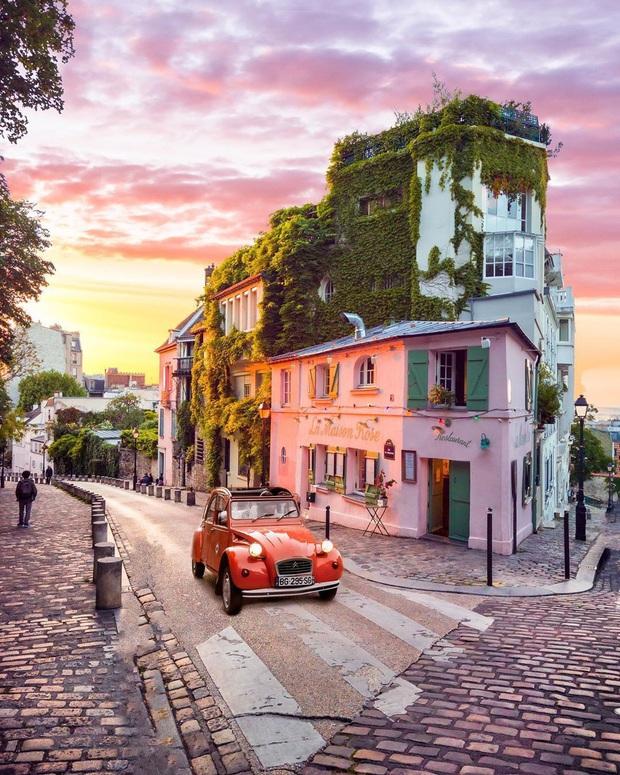 Một quán cafe màu hồng ở Paris gây sốt toàn thế giới nhờ Netflix, tuy nhiên gây tranh cãi vì nhân viên quá xấu tính? - Ảnh 10.