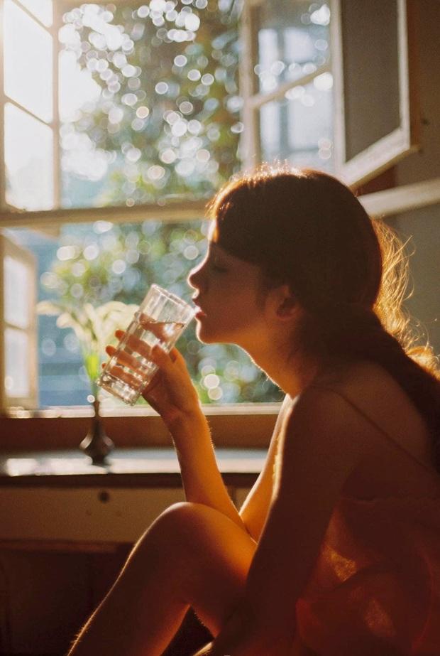 Muốn có cơ thể khỏe mạnh, hãy nhớ 4 việc nên làm vào buổi sáng, 5 việc không làm buổi tối - Ảnh 2.