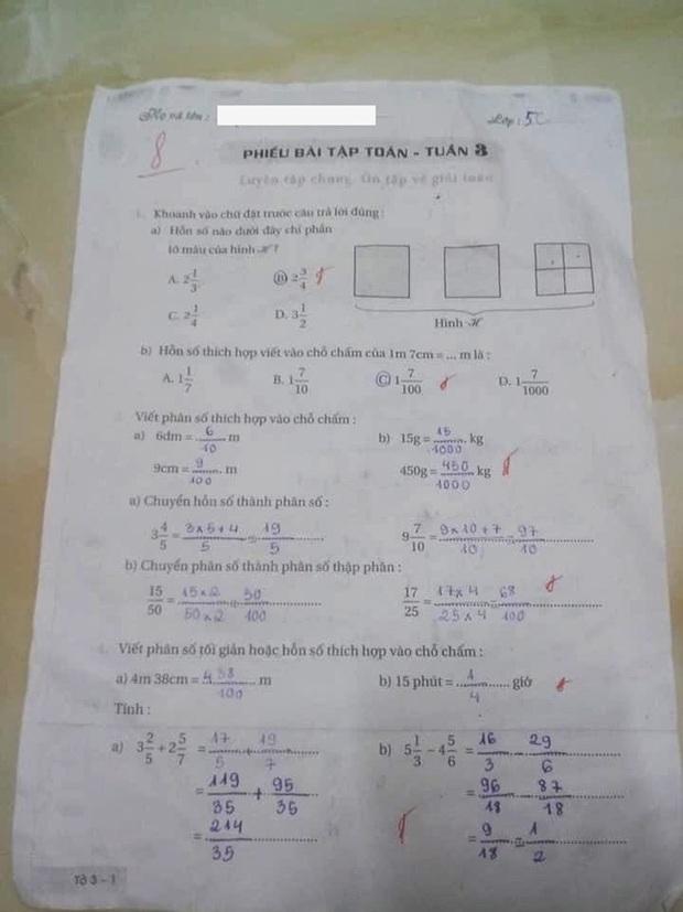 Bố than cô giáo căng vì con làm bài đúng hết nhưng chỉ cho điểm 8, dân mạng tranh cãi lỗi sai rất nhiều học sinh mắc phải - Ảnh 1.