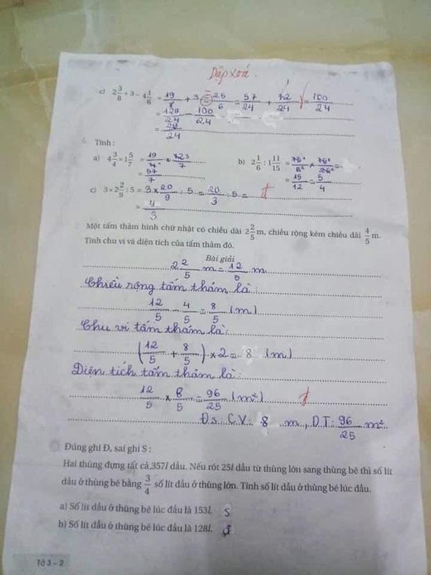 Bố than cô giáo căng vì con làm bài đúng hết nhưng chỉ cho điểm 8, dân mạng tranh cãi lỗi sai rất nhiều học sinh mắc phải - Ảnh 2.