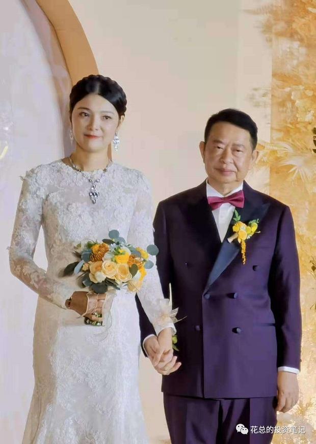 Cô dâu hot nhất hôm nay: Mẫu nữ cưới trùm vàng U65 sở hữu gia sản 500.000 tỷ, quá khứ phức tạp cùng tuyên ngôn gây tranh cãi - Ảnh 2.