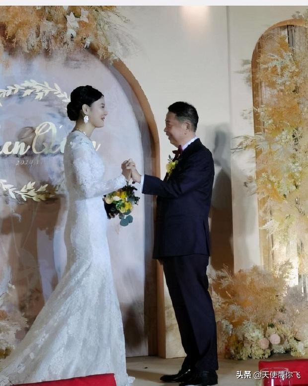 Cô dâu hot nhất hôm nay: Mẫu nữ cưới trùm vàng U65 sở hữu gia sản 500.000 tỷ, quá khứ phức tạp cùng tuyên ngôn gây tranh cãi - Ảnh 11.