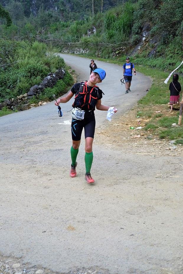 Nguyễn Linh Chi: Khi đuối sức mình hay nghĩ về những cuộc đua khó khăn hơn, không phải là chạy. Chạy là dễ nhất rồi! - Ảnh 1.