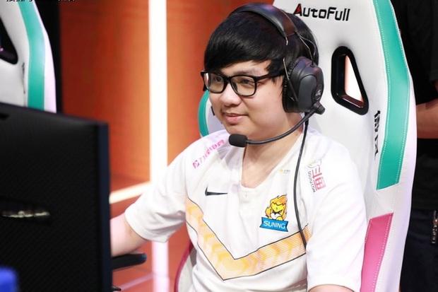 Cộng đồng vỡ oà sau chiến thắng nghẹt thở của Suning trước G2, SofM trở thành người Việt đầu tiên vào vòng playoffs CKTG - Ảnh 1.