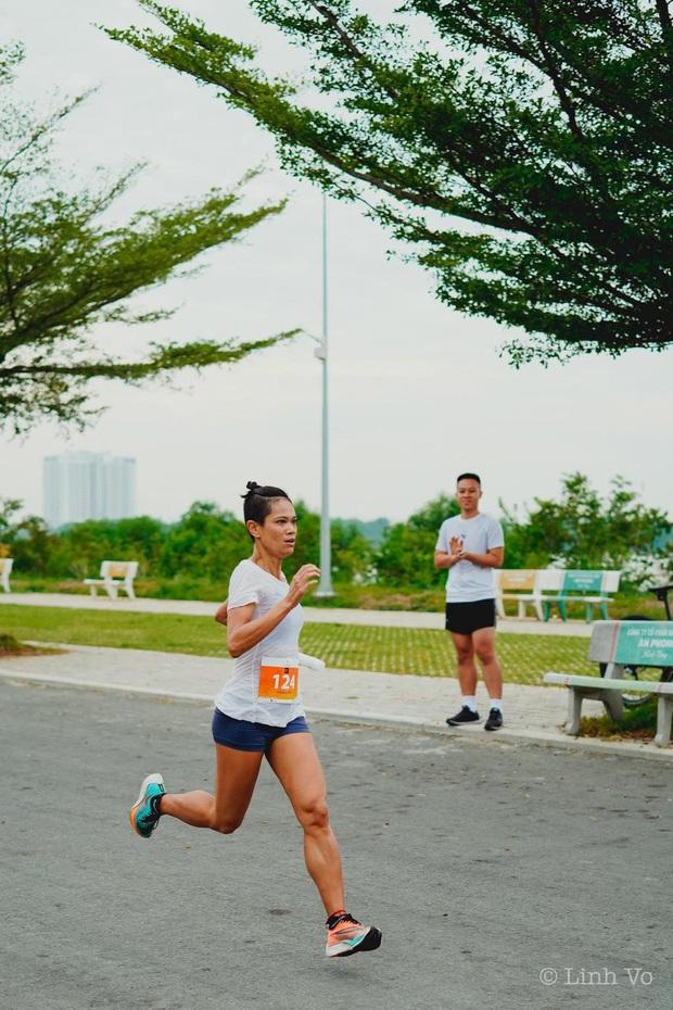 Nguyễn Linh Chi: Khi đuối sức mình hay nghĩ về những cuộc đua khó khăn hơn, không phải là chạy. Chạy là dễ nhất rồi! - Ảnh 3.