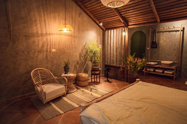 Cải tạo nhà ống cũ thành homestay, ngay Tây Hồ thôi mà cứ ngỡ là resort cao cấp ở Bali - Ảnh 3.