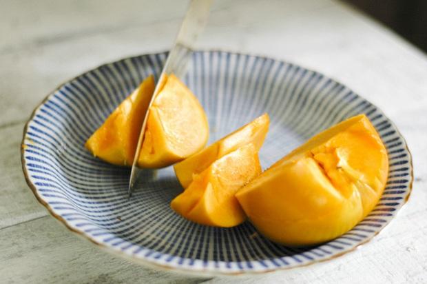 Hồng giòn vào mùa ăn vừa ngọt vừa giàu dinh dưỡng, nhưng bạn cần lưu ý 5 điều để tránh nguy cơ tắc ruột - Ảnh 4.