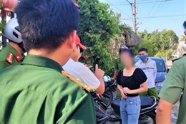 Truy nã thiếu nữ 23 tuổi liên quan vụ đưa 21 người Trung Quốc nhập cảnh trái phép vào Việt Nam - Ảnh 2.