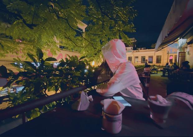HHen Niê xuýt xoa vì được ăn kem trời lạnh ở Hà Nội, không quên oanh tạc đủ thứ ẩm thực Thủ đô - Ảnh 4.