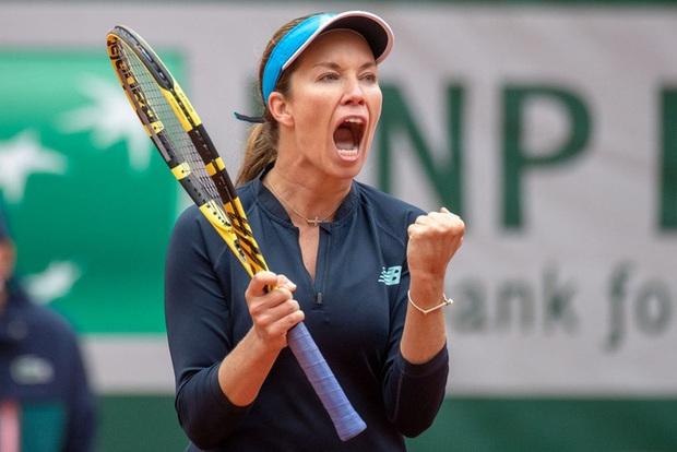 Nữ tay vợt tức giận mắng mỏ và yêu cần bạn trai đổi chỗ ngồi ở Roland Garros - Ảnh 2.