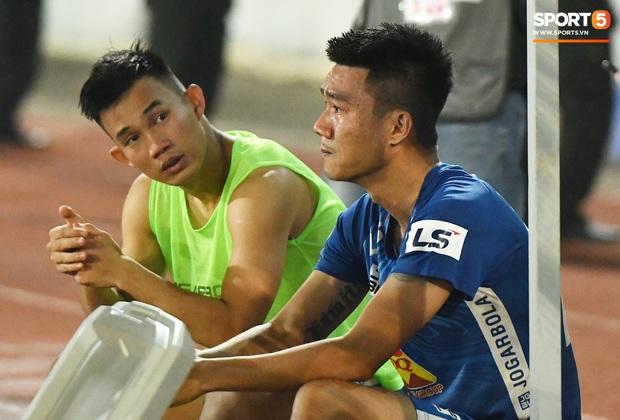 Chưa kịp mừng vì được thầy Park để ý, tuyển thủ U22 Việt Nam đã phải chịu nỗi buồn xuống hạng đau đớn - Ảnh 7.