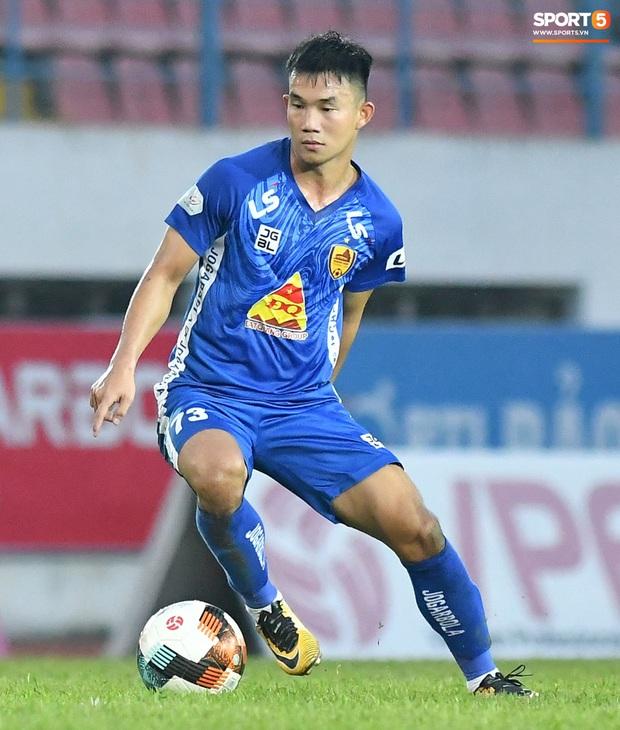 Cầu thủ trẻ Nguyễn Hồng Sơn được triệu tập lên U22 Việt Nam
