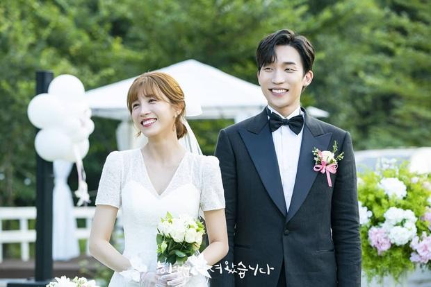 Người trong ngành vote nhanh cặp đôi ngọt nhất phim Hàn 2020: Hyun Bin - Son Ye Jin chiến thắng áp đảo! - Ảnh 11.