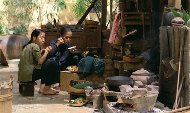 6 vai diễn để đời của nghệ sĩ Ánh Hoa: Từ Mùa Len Trâu tới Cổng Mặt Trời, nhìn đâu cũng nhớ người mẹ tần tảo ở phim Việt - Ảnh 6.