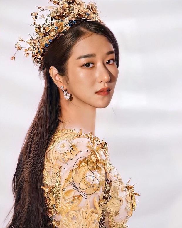 Ảnh photoshop điên nữ Seo Ye Ji gây sốt: Hóa Nữ thần Kim Ưng lộng lẫy hút hồn, sánh ngang với Địch Lệ Nhiệt Ba - Ảnh 2.
