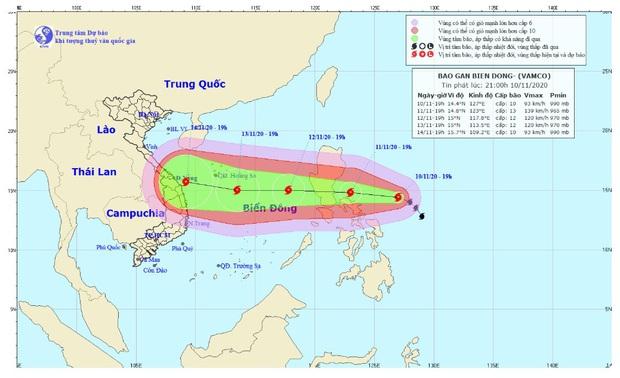 Bão Vamco di chuyển nhanh áp sát biển Đông, gió giật tới cấp 16 - Ảnh 1.