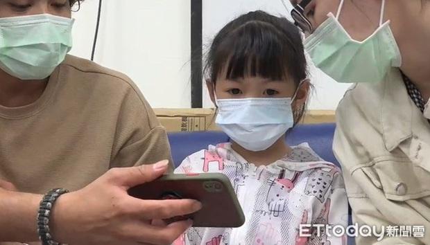 Bác sĩ phát hiện sỏi ở cả 2 mắt của bé gái 5 tuổi, xuất phát từ thói quen mà nhiều trẻ em mắc phải - Ảnh 1.