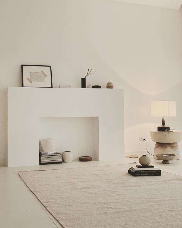 Căn nhà màu trắng của nhà thiết kế Lâm Gia Khang: Cứ nghĩ đơn điệu nhưng trông sang quá - Ảnh 9.