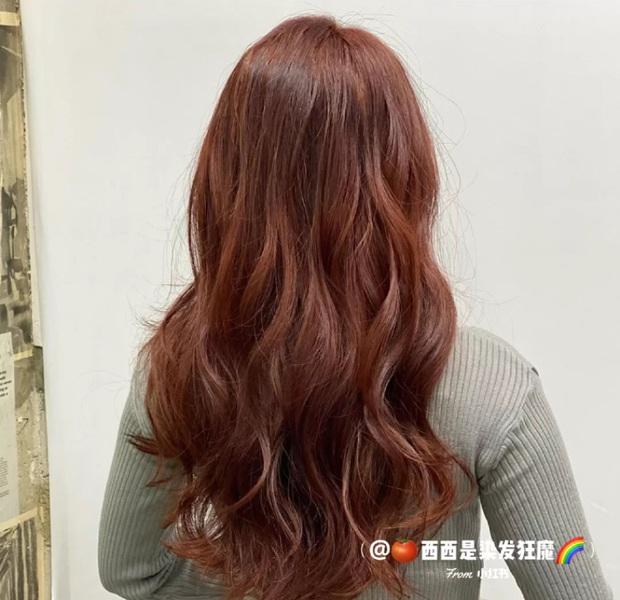 5 màu tóc nhuộm làm sáng da đỉnh cao, nàng công sở diện theo là đẹp và sang hết nấc - Ảnh 7.