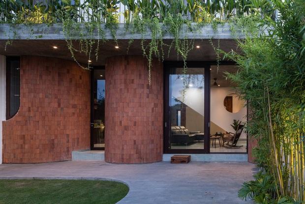 Ngôi nhà độc đáo ở Đà Nẵng: Bên trong là tổ hợp 3 nhà nhỏ, tìm hiểu mới biết lý do cực ý nghĩa - Ảnh 4.