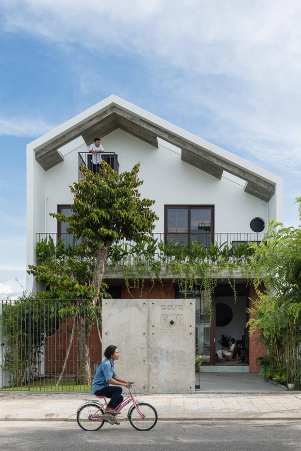 Ngôi nhà độc đáo ở Đà Nẵng: Bên trong là tổ hợp 3 nhà nhỏ, tìm hiểu mới biết lý do cực ý nghĩa - Ảnh 1.