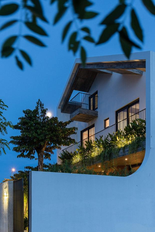 Ngôi nhà độc đáo ở Đà Nẵng: Bên trong là tổ hợp 3 nhà nhỏ, tìm hiểu mới biết lý do cực ý nghĩa - Ảnh 2.