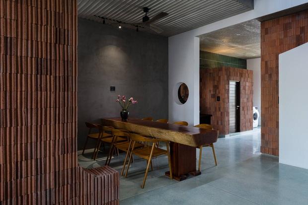 Ngôi nhà độc đáo ở Đà Nẵng: Bên trong là tổ hợp 3 nhà nhỏ, tìm hiểu mới biết lý do cực ý nghĩa - Ảnh 17.
