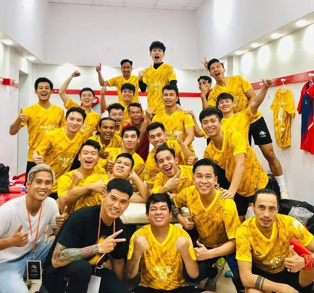 Độ Mixi, Cris Phan tham gia trận đấu giao hữu gây quỹ vì miền Trung cùng Jack và Quang Hải - Ảnh 3.