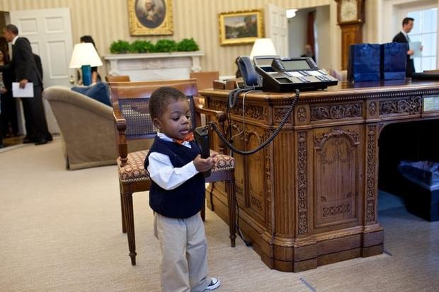 Khám phá những chiếc điện thoại hàng thửa của các Tổng thống Mỹ - Ảnh 2.