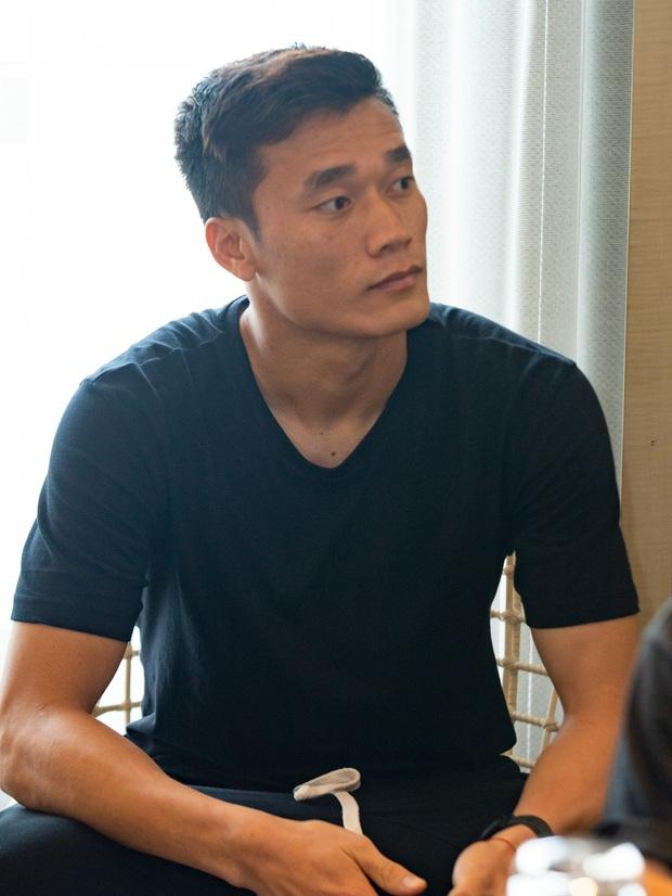 Quang Hải lộ diện sau scandal bị cắm sừng, Jack - Độ Mixi cực bảnh cùng dàn sao khủng đổ bộ hậu trường trận bóng vì miền Trung - Ảnh 7.