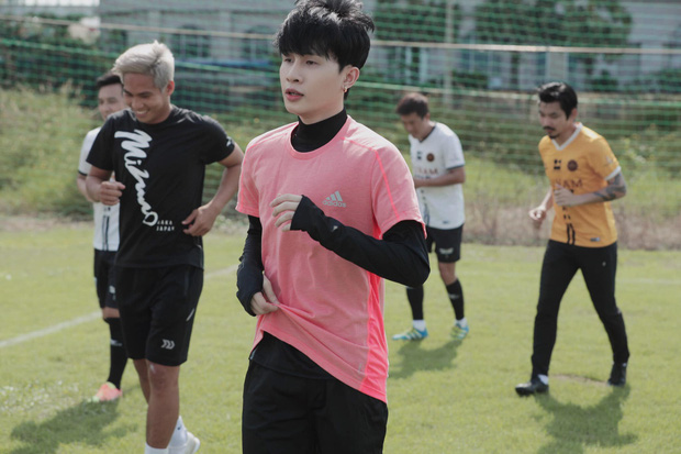 Độ Mixi, Cris Phan tham gia trận đấu giao hữu gây quỹ vì miền Trung cùng Jack và Quang Hải - Ảnh 6.