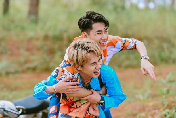 Độ Mixi, Cris Phan tham gia trận đấu giao hữu gây quỹ vì miền Trung cùng Jack và Quang Hải - Ảnh 5.