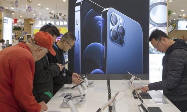iPhone bán tại Việt Nam thuộc top đắt nhất, mua ở đâu mới có giá rẻ? - Ảnh 1.