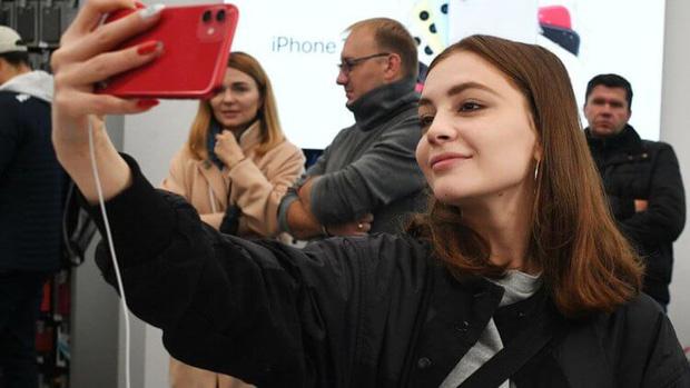 iPhone bán tại Việt Nam thuộc top đắt nhất, mua ở đâu mới có giá rẻ? - Ảnh 3.