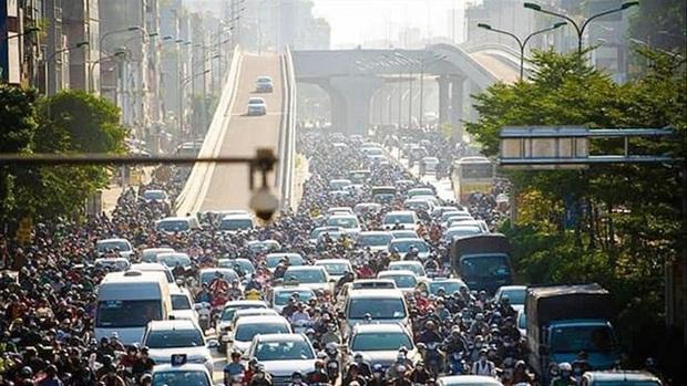 Đường trên cao thông nhưng tắc ở 2 đầu: Hà Nội họp khẩn tìm cách tháo gỡ - Ảnh 1.