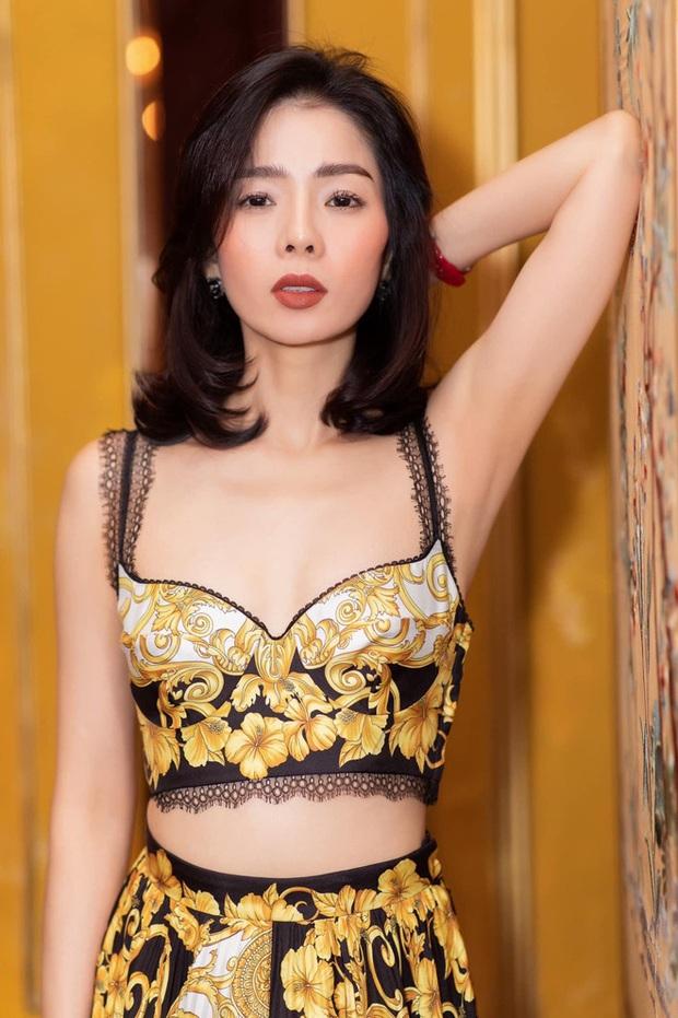 2 mẹ bỉm hot nhất Vbiz mừng lễ độc thân: Phạm Quỳnh Anh sexy nổi loạn, Lệ Quyên nhập hội F.A sau 7749 lần lộ hint với tình trẻ - Ảnh 8.