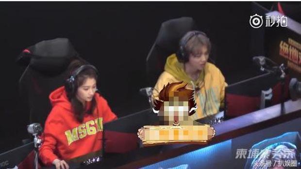 Khi nữ minh tinh cuồng game: Dương Mịch, Angela Baby tranh thủ từng giây rảnh rỗi, Vương Tử Văn đạt được ước mơ thi đấu như tuyển thủ chuyên nghiệp - Ảnh 10.