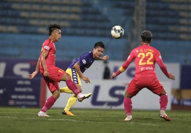 Độ Mixi, Cris Phan tham gia trận đấu giao hữu gây quỹ vì miền Trung cùng Jack và Quang Hải - Ảnh 15.