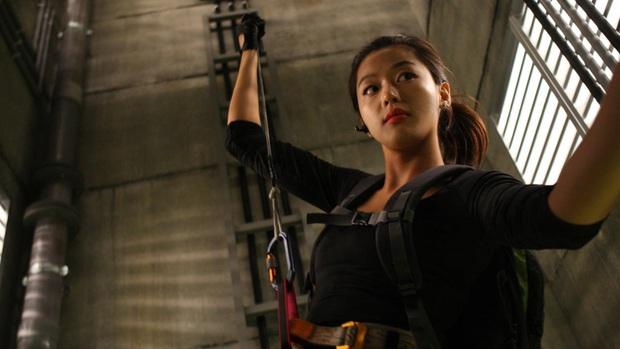 The Thieves - phim cũ rích bỗng hót hòn họt: Jeon Ji Hyun - Kim Soo Hyun ngầu bá cháy lại thêm chuyện trộm cắp cuốn thôi rồi! - Ảnh 10.