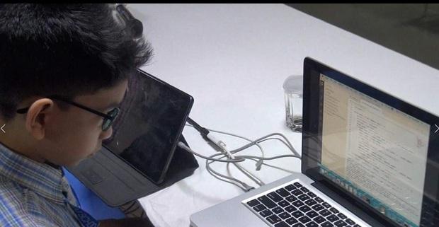 6 tuổi trở thành lập trình viên máy tính trẻ nhất thế giới - Ảnh 1.
